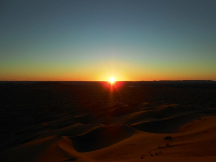 desert sunrise | two week morocco itinerary