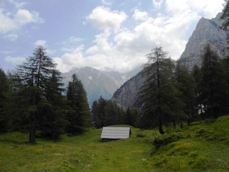 scenic drive julian alps