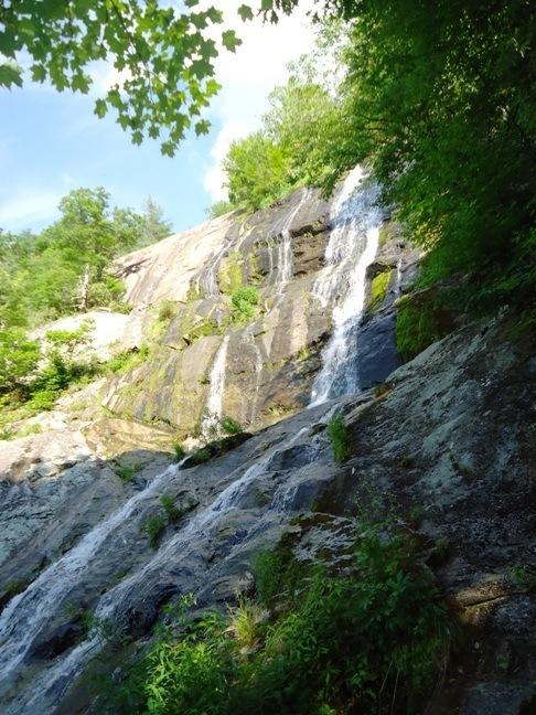 best hikes in virginia crabtree falls