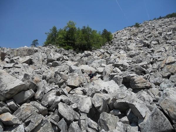 best hikes in va / virginia hikes devil's marbleyard