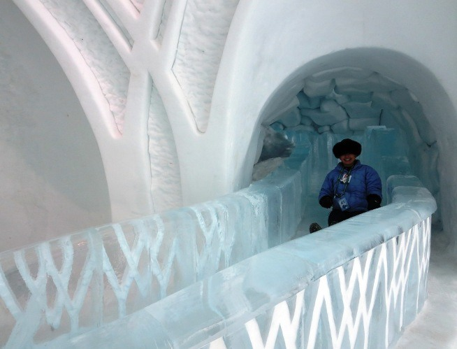 ice slide | hotel de glace | ice hotel canada