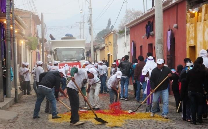 Cleanup crew Semana Santa Antigua