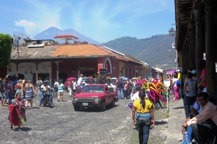 streets in antigua guatemala