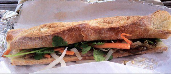 naked onion bahn mi | best restaurants in richmond va