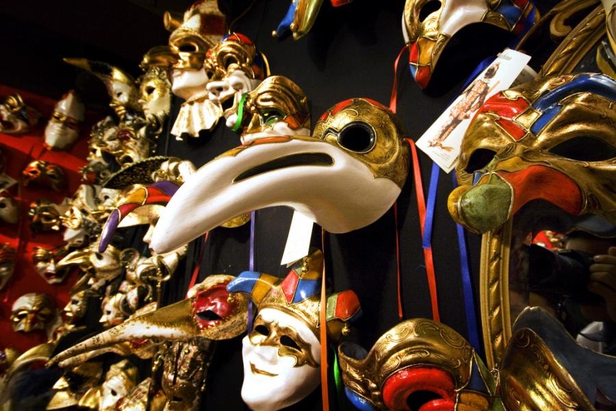 A store display of Venetian masks - better than a museum!