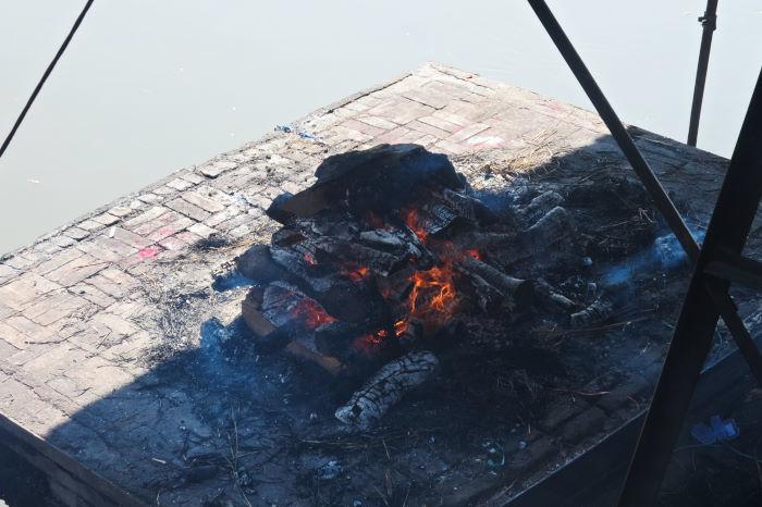 pashupatinath cremation ghats kathmandu nepal