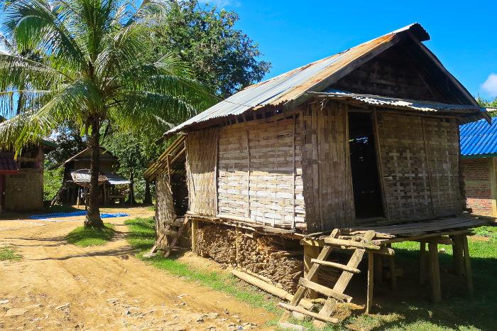 laos homestay