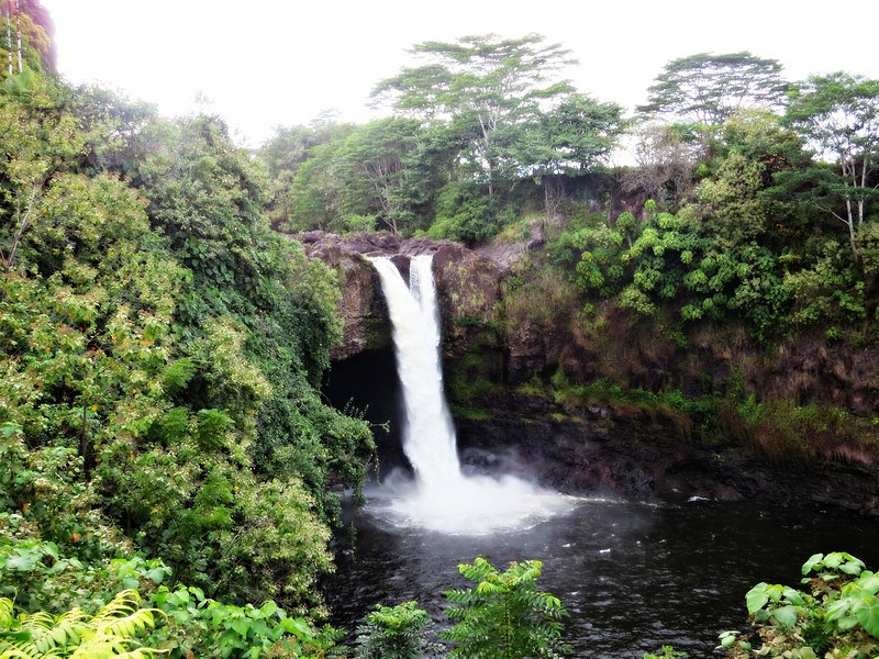 rainbow falls the big island of hawaii