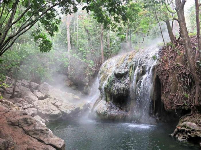 finca paraiso waterfalls rio dulce guatemala