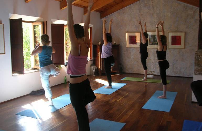 yoga things to do in antigua guatemala