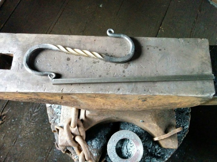 blacksmith s hook