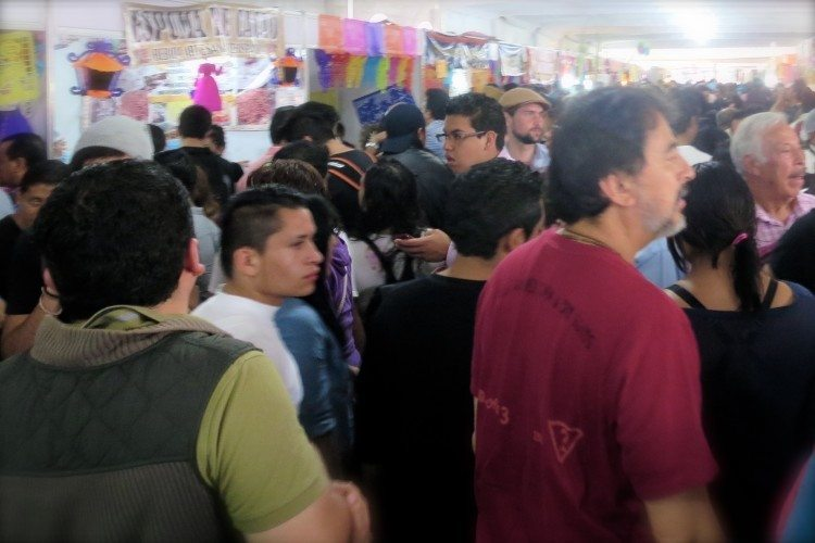 Coyoacan feria de chocolate dia de los muertos / pickpocket crowds