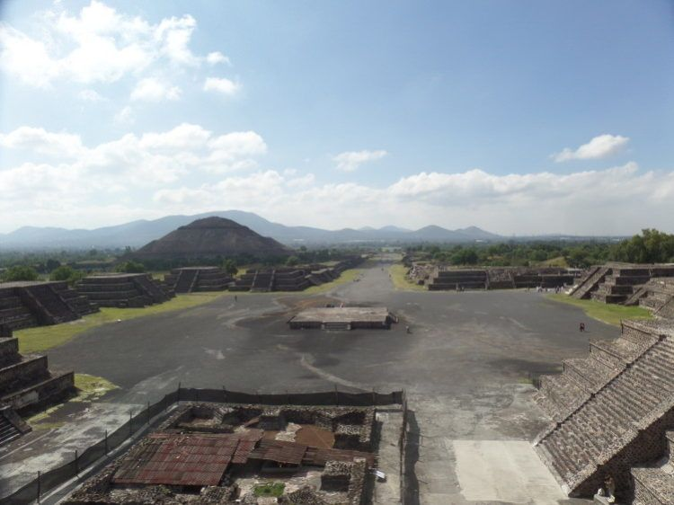 pyramid of the moon teotihuacan mexico city
