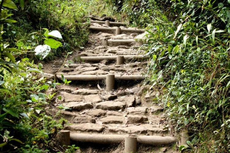 The uphill climb at Quebrada La Vieja bogota colombia hike