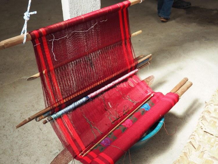 weaving guatemala