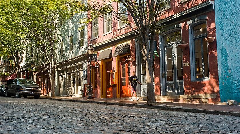 cobblestone streets in shockoe bottom in richmond va