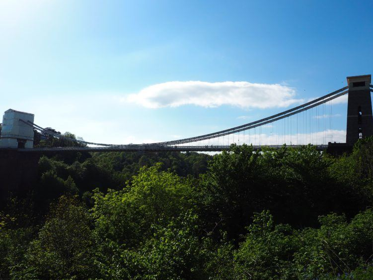 clifton suspension bridge bristol england / bristol uk