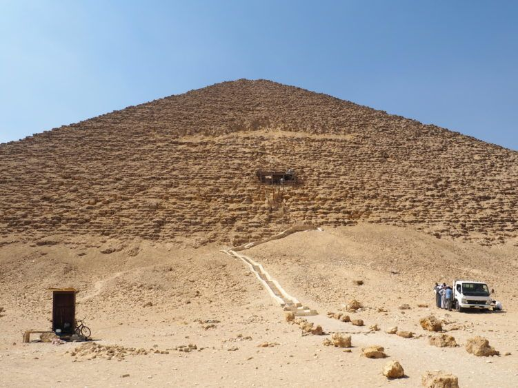 things to do in cairo: dahshur pyramid