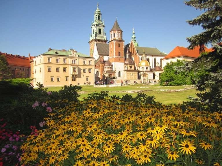 Wawel_Castle_Flowers_email_0480