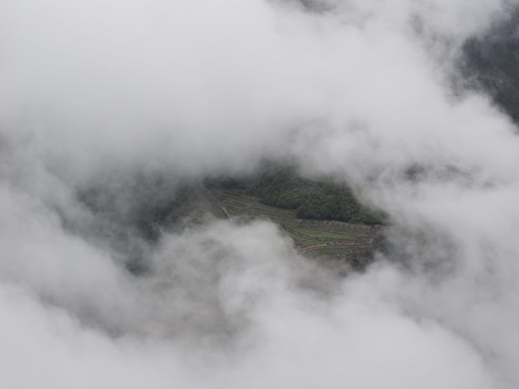wayna picchu clouds