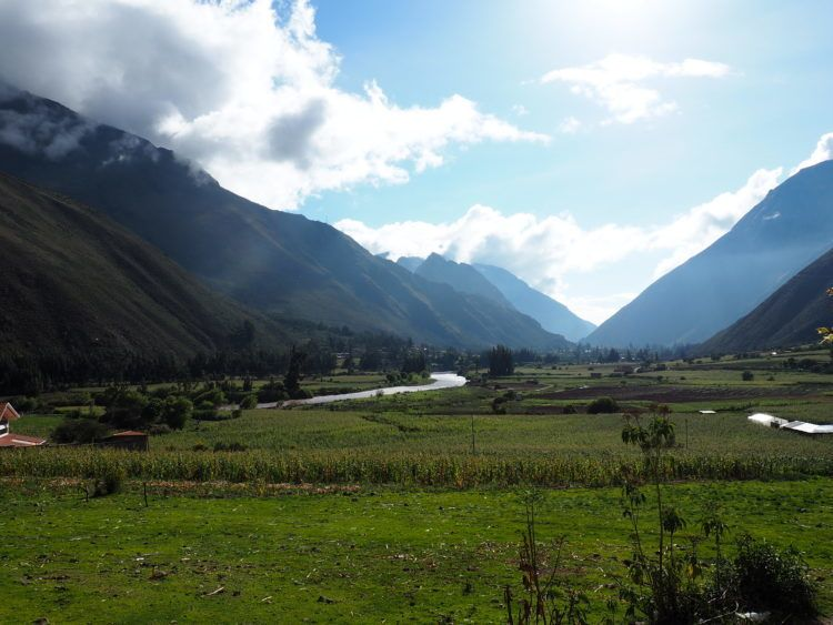 ollantaytambo sacred valley scenery (things to do instead of hiking the inca trail)