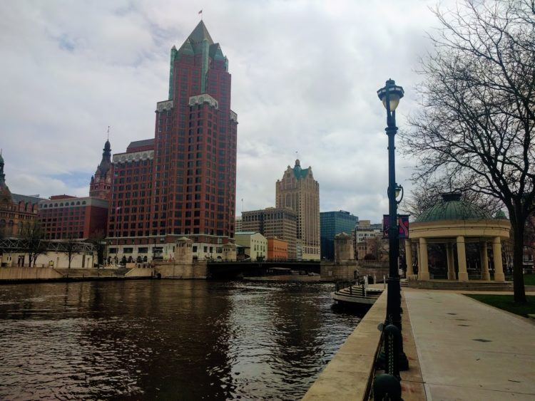 unique things to do in milwaukee wi riverfront