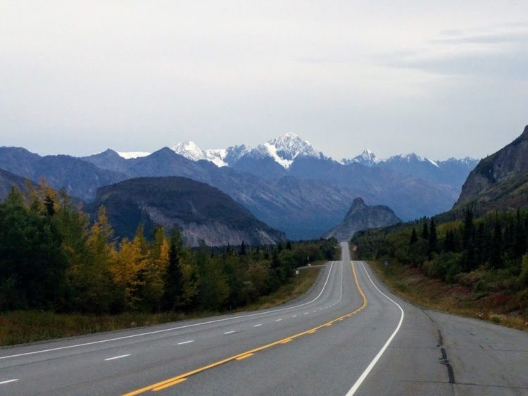 Roadtrip: an essential part of Alaska cruisetours.