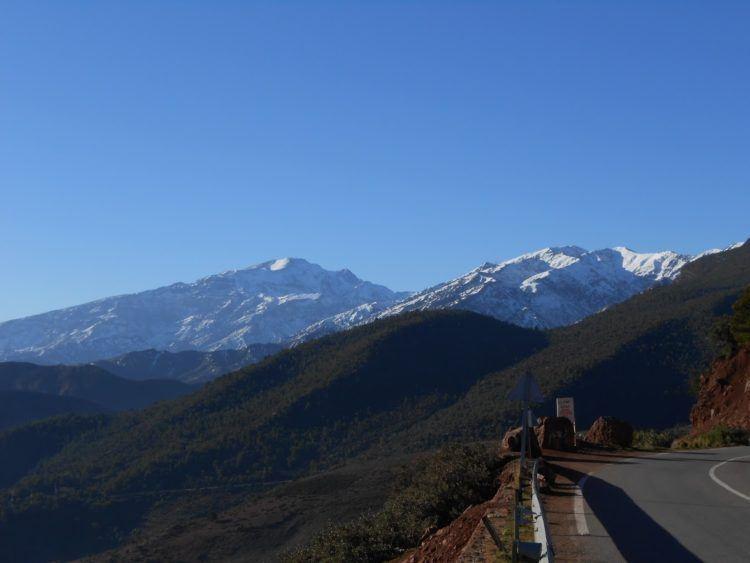 road through morocco atlas mountains