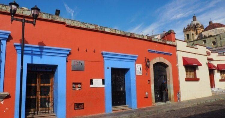 oaxaca mexico red building