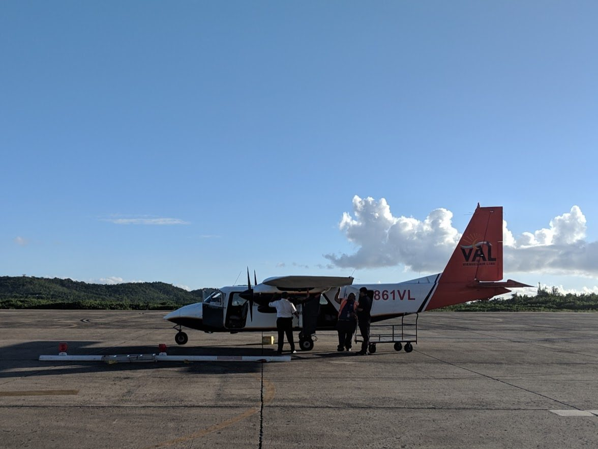 small airplane from ceiba to vieques