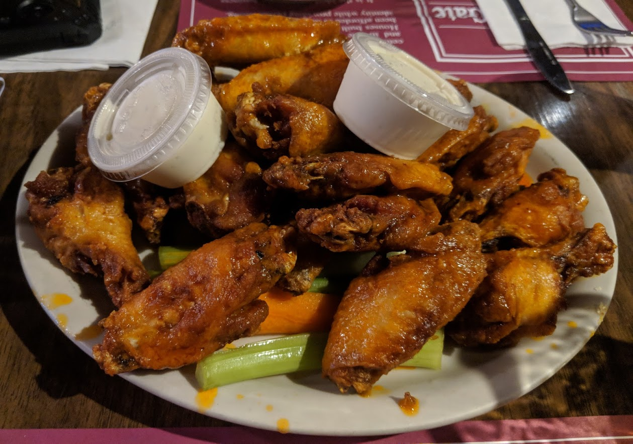 chicken wings with celery and blue cheese