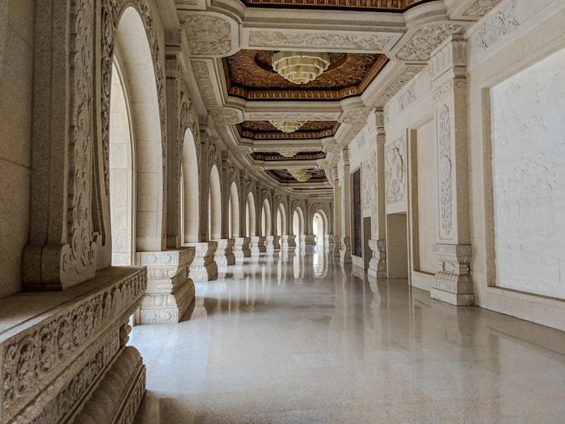 usnisa palace hallways