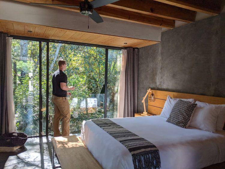 valle de bravo mexico hotel room
