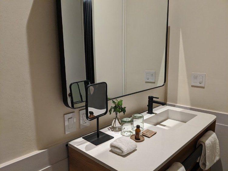 hotel umbral bathroom