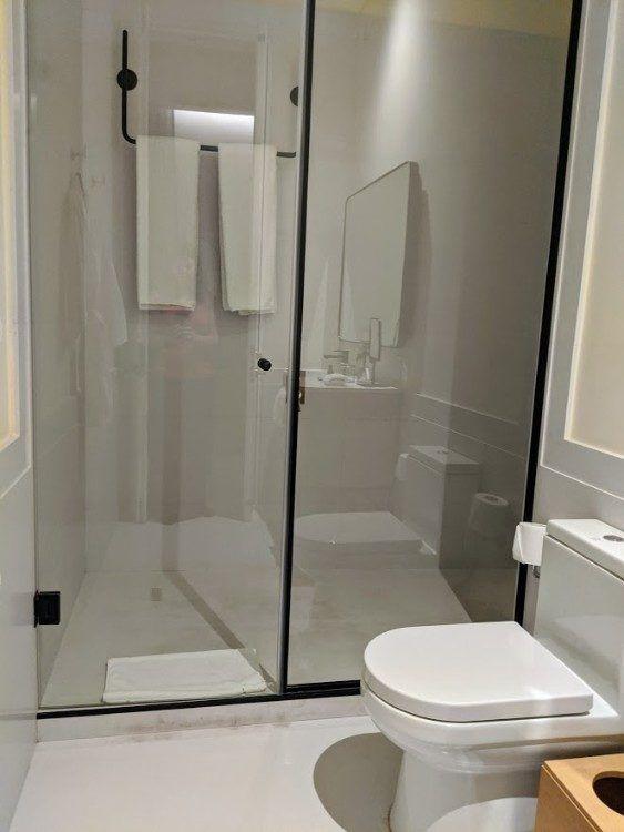 Hotel Umbral shower