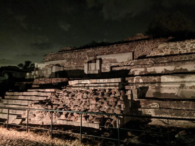 teotihuacan ruins at night