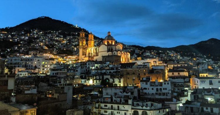 taxco mexico at night