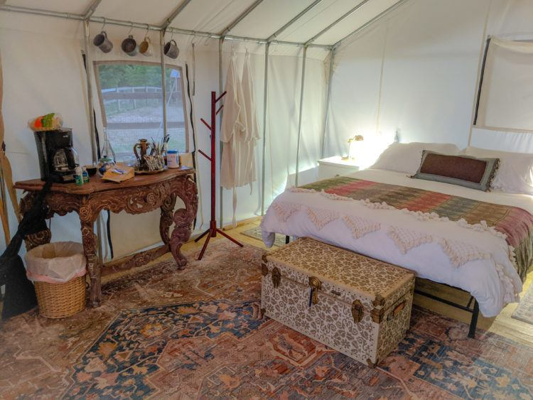 Glamping in Ithaca bed