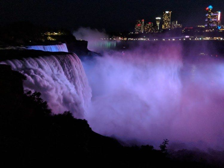 niagara falls usa at night
