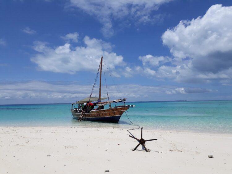 dhow dive boat in mafia island