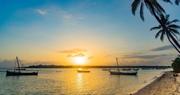 utende mafia island sunrise
