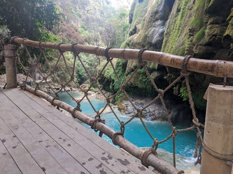 bridge over pozas azules