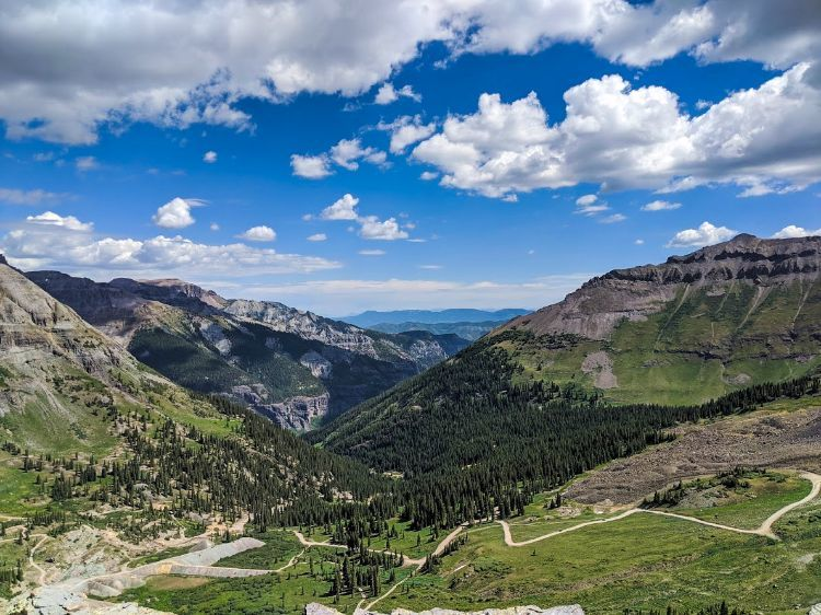 switchbacks on ouray jeep trail to imogene pass