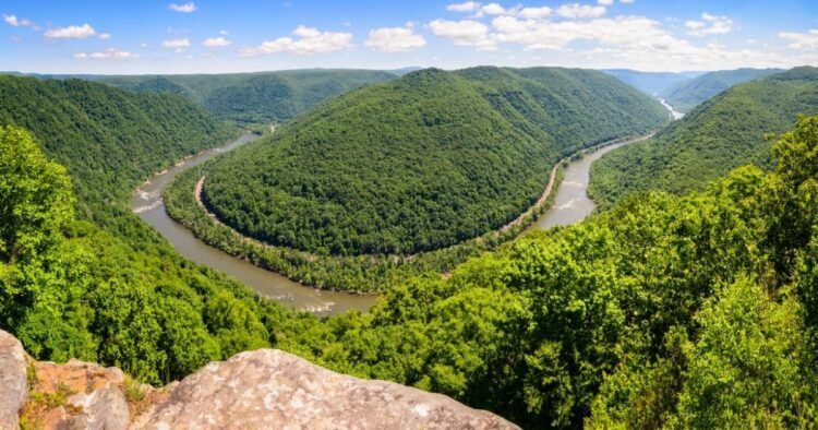 hiking horseshoe bend new river wv
