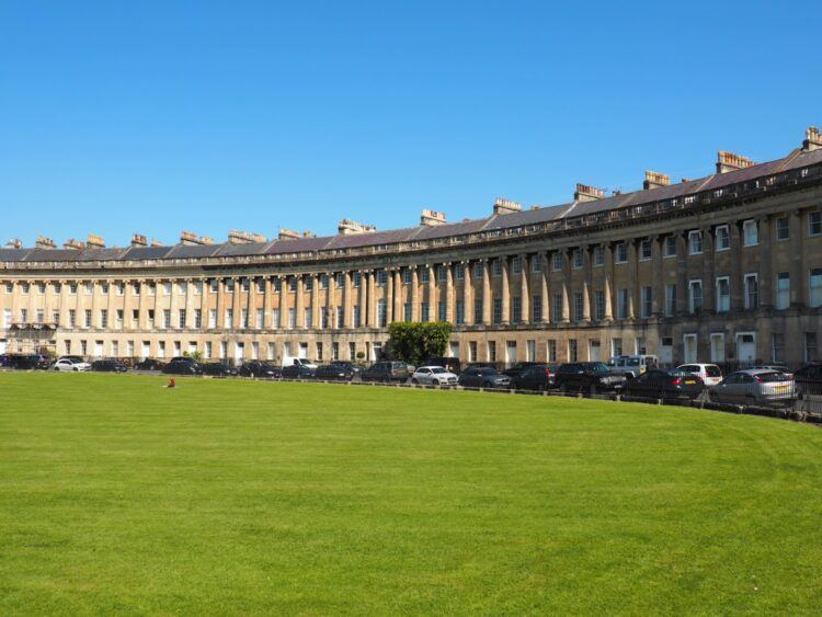 photo of the royal crescent in bath, used as a bridgerton filming location