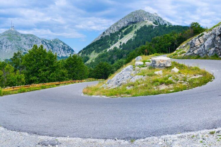 serpentine road to lOvcen national park
